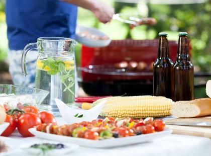 9 wskazówek, jak zorganizować przyjęcie w ogrodzie