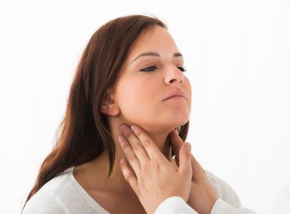 niedoczynność tarczycy, niedobór hormonów tarczycy, choroba hashimoto