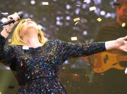 Adele rzuci karierę dla dobra rodziny? Fani czekają na wyjaśnienia