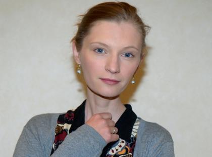 Agata Buzek: Mąż będzie do mnie przyjeżdżał...z psami