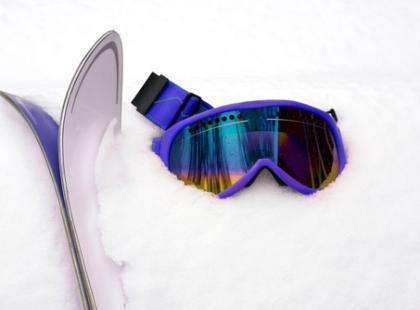Akcesoria narciarskie - co musisz mieć na stoku?