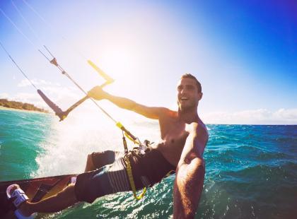 Aktywnie i bezpieczenie, czyli jak ubezpieczyć się w wakacje