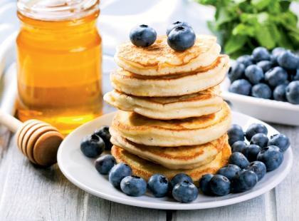 Amerykańskie pancakes z jagodami