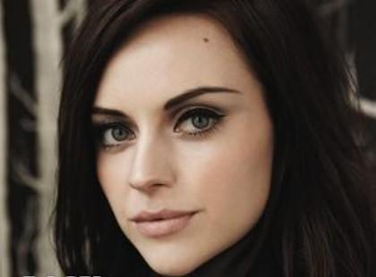 "Amy Macdonald - ""A Curious Thing"""