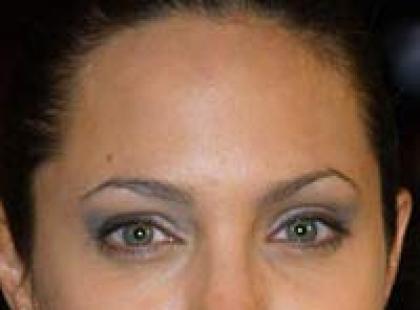 Angelina Jolie - fryzury i makijaż