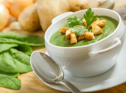 Angielska zupa z natki pietruszki