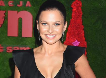 Anna Lewandowska też kupuje na wyprzedażach! Tym razem postawiła na czerwoną kurtkę z H&M