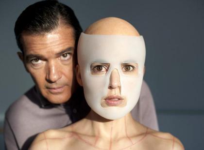 """Antonio Banderas w filmie Almodóvara """"Skóra, w której żyję"""""""