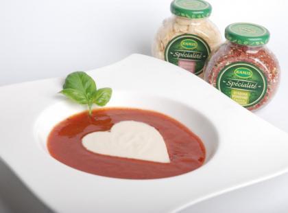 Aromatyczna zupa pomidorowa