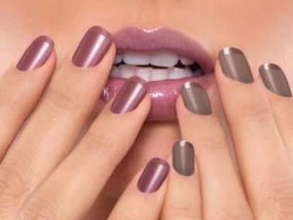 Artdeco Holiday Nails