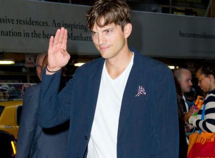 Ashton Kutcher uratował 6 tysięcy osób - głównie kobiet i dzieci, które miały trafić do domów publicznych