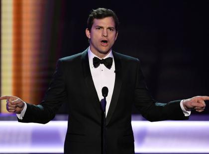 """Ashton Kutcher wkurzony na Trumpa. Dał upust swoim emocjom na SAG Awards: """"Krew się we mnie gotuje!"""""""