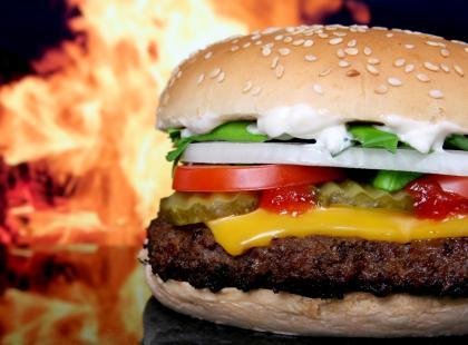 Astma lubi hamburgery