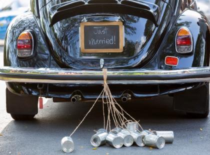 Auto do ślubu – jak najprościej je udekorować?