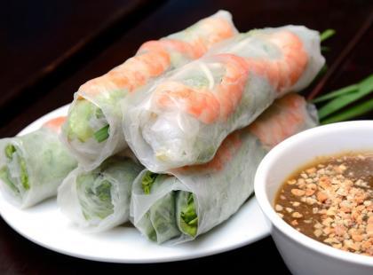 Azjatyckie smaki w twoim domu - zobacz jak przygotować chrupiące sajgonki!