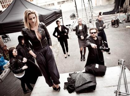 Backstage sesji zdjęciowej z supermodelkami
