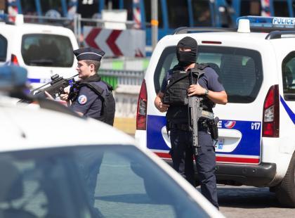 Badanie wskazują, że zamachów terrorystycznych w Europie z roku na rok jest coraz mniej
