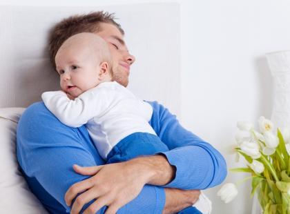 Miłość ojcowska przychodzi z czasem/ fot. Fotolia