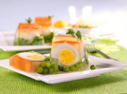 Bez nich nie ma Wielkanocy! Zobacz nasze sprawdzone przepisy na jajka w galarecie!