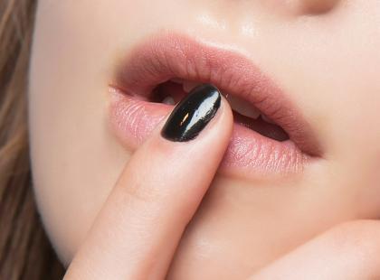 Bez perfekcyjnie zrobionych paznokci nie wyjdziesz domu? Może warto zainwestować w to urządzenie?