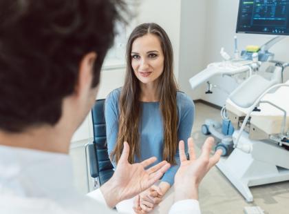 Bez skrępowania! Zadałyśmy ginekologowi 10 wstydliwych pytań, których nie miałabyś odwagi zadać w gabinecie