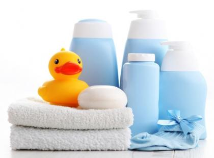 Bezpieczne kosmetyki dla niemowlęcia – jakie wybrać?