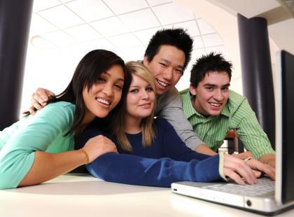Bezpieczny nastolatek w sieci