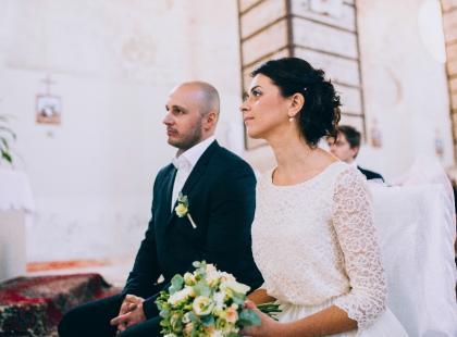 Białe suknie ślubne do Urzędu Stanu Cywilnego – tak, czy nie?