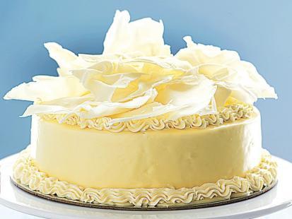 Biały tort czekoladowy