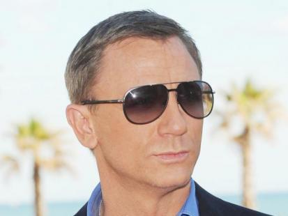 Bić, baby, jak Bond, James Bond
