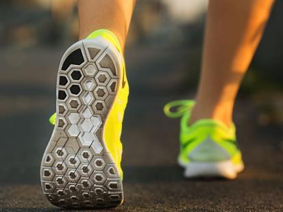 Biegasz? Zobacz, jak pielęgnować swoje stopy!