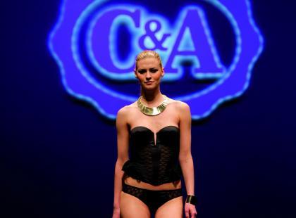 Bielizna C&A - pokaz kolekcji - zima 2012/2013