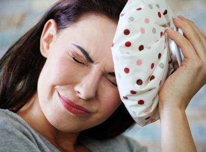 kobieta, choroba, ból głowy, leczenie/ fot. Fotolia