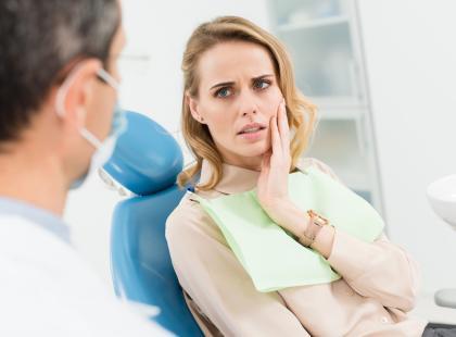 Ból zęba po leczeniu kanałowym? Uwierająca plomba? A może kłopoty po wyrwaniu?