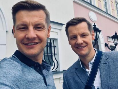 """Bracia Mroczkowie odchodzą z """"M jak miłość""""? Widzowie zobaczą ich w nowym serialu!"""