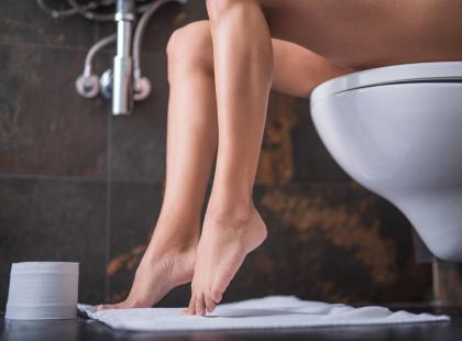 Brak odpowiedniej higieny, ale i zbyt intensywna higiena mogą przyczynić się do infekcji intymnych. Jak dbać o siebie, by ich uniknąć?