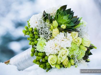Bukiety i ozdoby ślubne w zimowym klimacie
