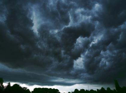 Burza z piorunami: jak sobie radzić bez paniki i strachu?
