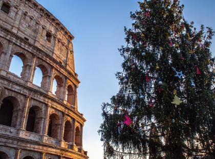 """""""Cały świat się z nas śmieje!"""" – Włosi są zażenowani świąteczną choinką, która stanęła w Rzymie. Faktycznie mają się czego wstydzić?"""