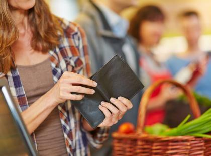 Cena brutto a netto - jaka jest różnica?