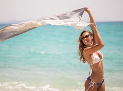 Chcesz być modna latem? Zobacz najpiękniejszą biżuterię, która króluje w tym sezonie na plaży i nie tylko!