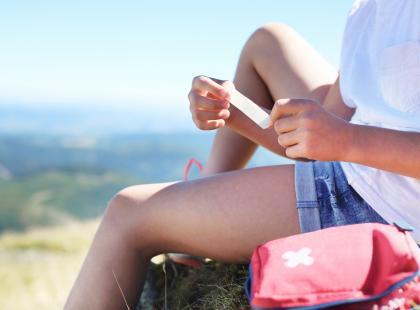 Choroba może przydarzyć się nawet w czasie urlopu! Zobacz, co spakować do wakacyjnej apteczki