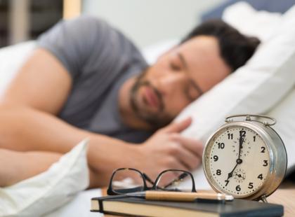 Chrapanie słychać w co trzecim polskim domu! 4 mln Polaków jest wiecznie niewyspanych