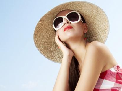 Chroń włosy przed słońcem