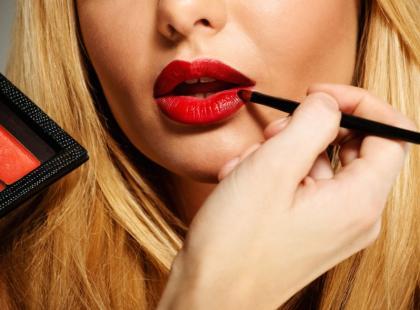 Cieniowane usta na 4 sposoby