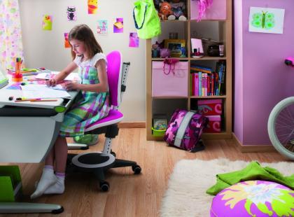 Ciężkie życie kręgosłupa - jak poprawić miejsce pracy dziecka?