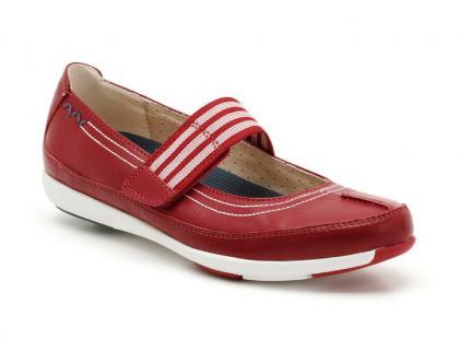 Clarks - kolekcja  dziecięcego obuwia na lato 2012