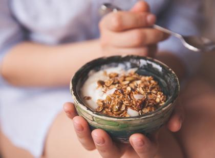 """""""Clean eating"""" to trend dietetyczny podbijający serca ludzi na całym świecie. O co w nim chodzi i przede wszystkim: ile można schudnąć?"""