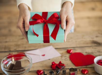 Co chciałybyśmy dostać na walentynki? Zobacz listę prezentów, które zaskoczą twoją drugą połówkę!