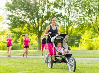 Co ćwiczyć, kiedy masz pod opieką małe dziecko?